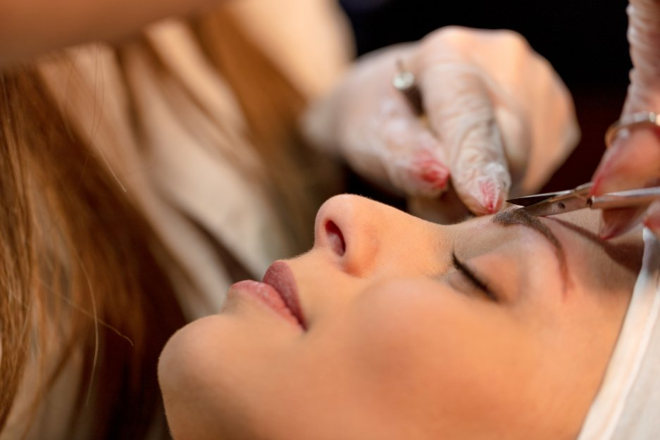 Maquillage permanent et microblading